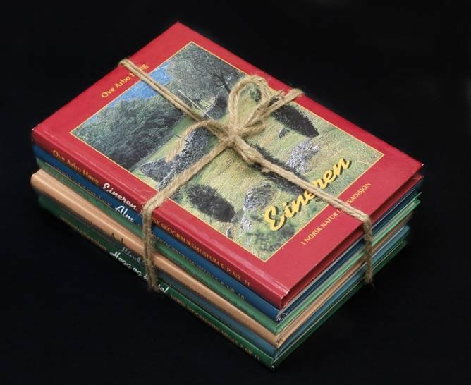 Bilde av 5 bøker om treslagene